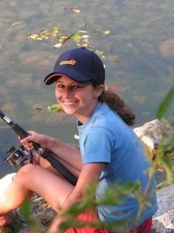 Mädchen beim Fischen